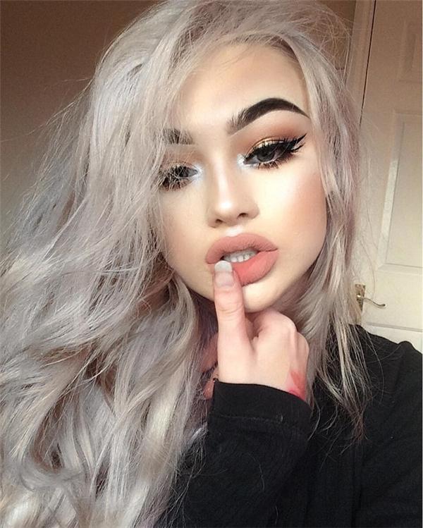 """Với đôi môi dày và làn da nâu, vẻ đẹp của Megan được xem là một trong những """"chuẩn đẹp"""" đối với các cô nàng phương Tây."""