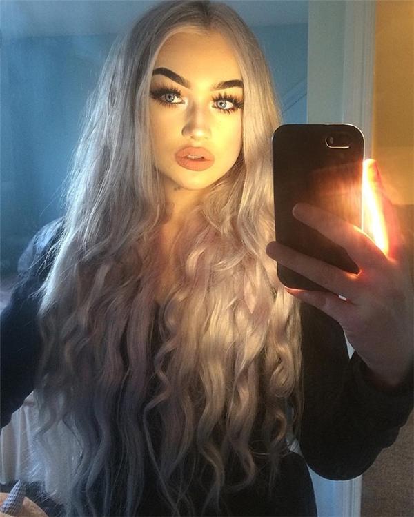 Nữ sinh 15 tuổi nổi tiếng mạng xã hội nhờ sở hữu đôi môi dày gợi cảm