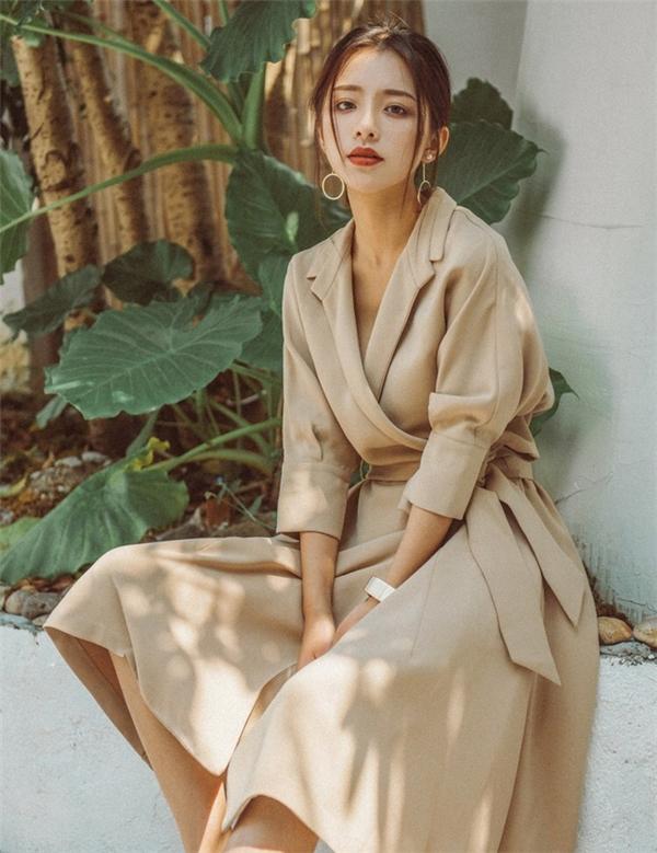 Bên cạnh đó, cô cũng thường xuyên xuất hiện trên tạp chí thời trang dành cho giới trẻ sau khi cộng tác với một số nhiếp ảnh gia tầm cỡ.