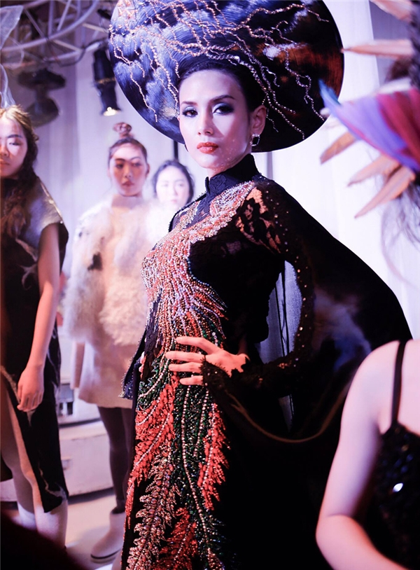 """Võ Hoàng Yến làm vedette """"chặt đẹp"""" dàn mẫu của Quốc tế - Tin sao Viet - Tin tuc sao Viet - Scandal sao Viet - Tin tuc cua Sao - Tin cua Sao"""