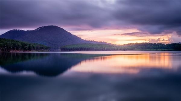Và trên thực tế, cảnh đẹp tại hồ Tuyền Lâm sẽ khiến du khách phải ngỡ ngàng. (Ảnh: Internet)