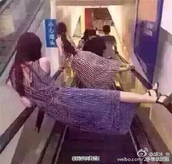 Cách duy nhất để khỏi bị kẹt chân vào thang cuốn.