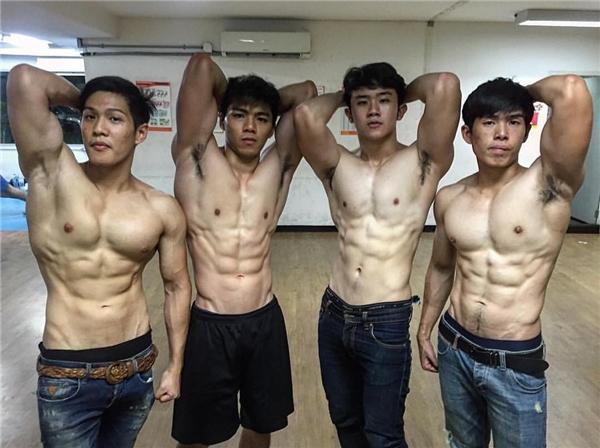 """Trở lại """"thăm"""" trường đại học trai đẹp Thái Lan """"gây bão"""" một thời"""