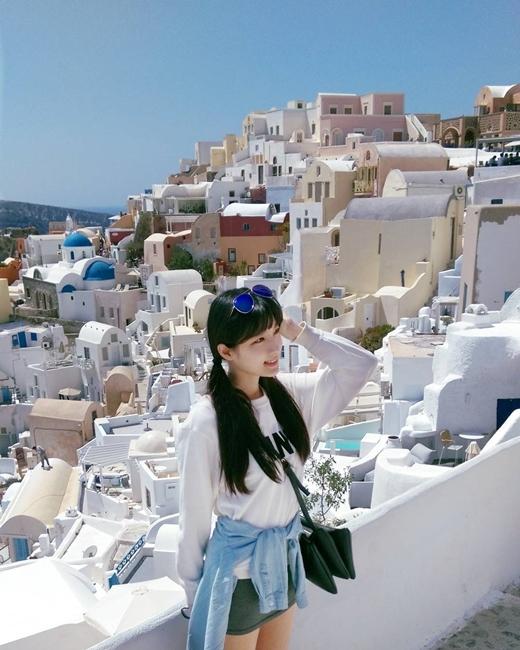 Cô gái có sở thích to lớn là đi du lịch vòng quanh thế giới.
