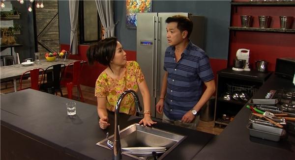 """Hồng Đào """"khóc ròng"""" vì Quang Minh làm hư máy rửa chén - Tin sao Viet - Tin tuc sao Viet - Scandal sao Viet - Tin tuc cua Sao - Tin cua Sao"""
