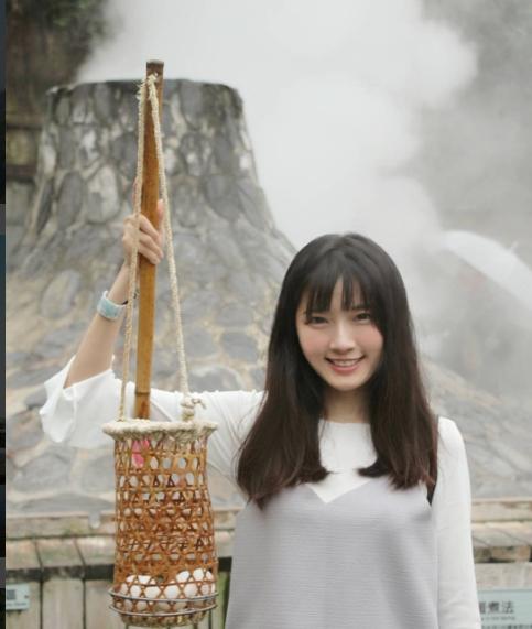 Nữ tiếp viên có gương mặt thiên thần làm điên đảo cộng đồng mạng