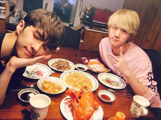 Đầu năm mới Jin (BTS) đã lộ ảnh hẹn hò gây sốt