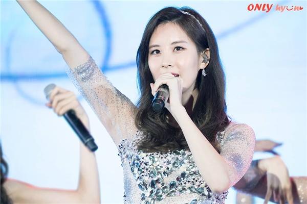 Seohyun đượcyêu mến nhờ giọng hát đẹp được chứng minh qua các bài hát OST và các vở nhạc kịch.