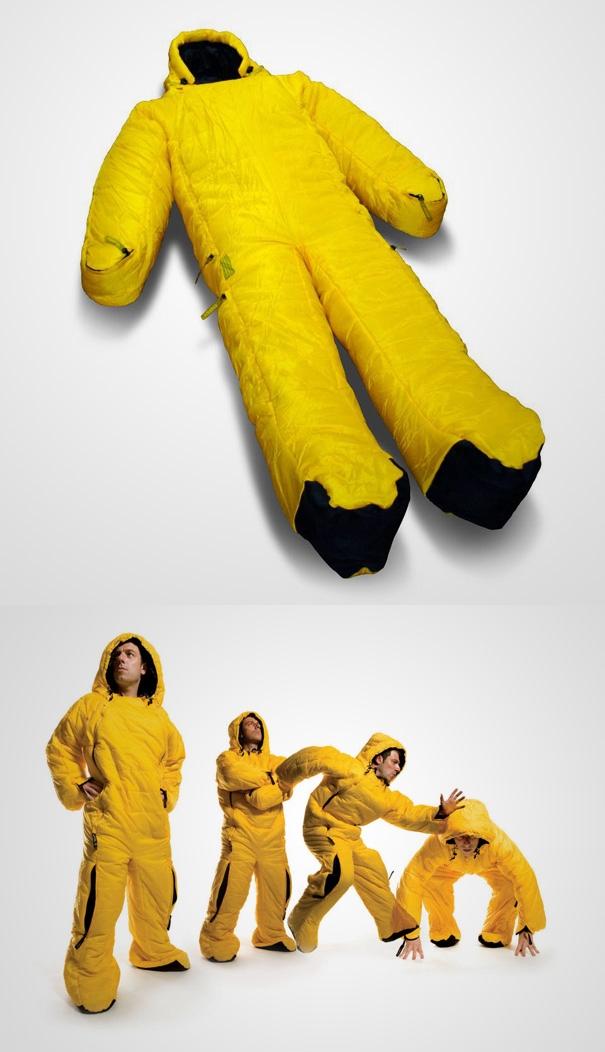 Túi ngủ có tay và chân, để không bị lạnh mỗi lần đi vệ sinh.