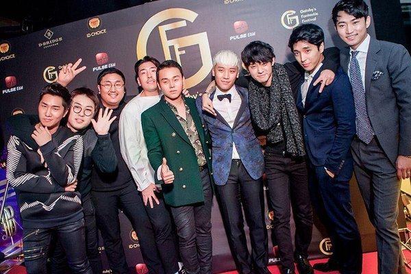 Bữa tiệcGatsby's Fantastic Festivalđược Seungri tổ chức vào Giáng sinh 2015 với mục đích từ thiện.