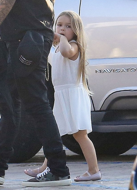 Harper xuề xòa kém xinh, không còn là fashion icon của Hollywood?