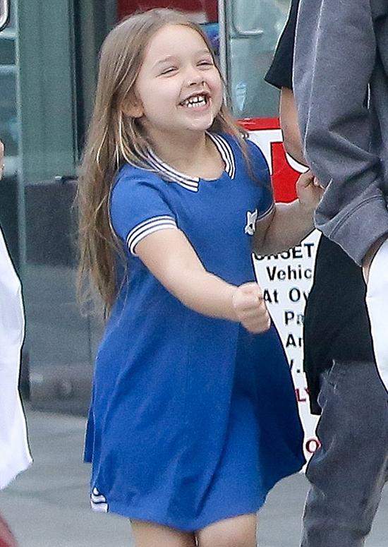 Càng lớn Harper càng ít chú trọng vào trang phục và chỉ lựa chọn những bộ quần áo đơn giản thoải mái.