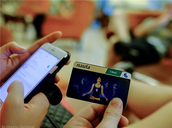 Chiếc thẻ Nauta này được sử dụng để kết nối internet ở Cuba. (Ảnh: Business Insider)