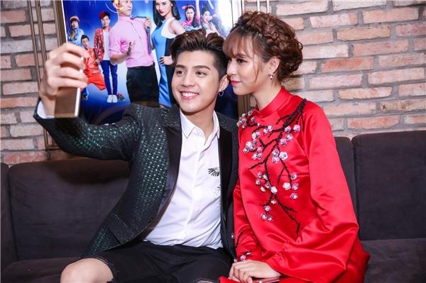 Noo Phước Thịnh selfie cùng Phí Phương Anh - Tin sao Viet - Tin tuc sao Viet - Scandal sao Viet - Tin tuc cua Sao - Tin cua Sao