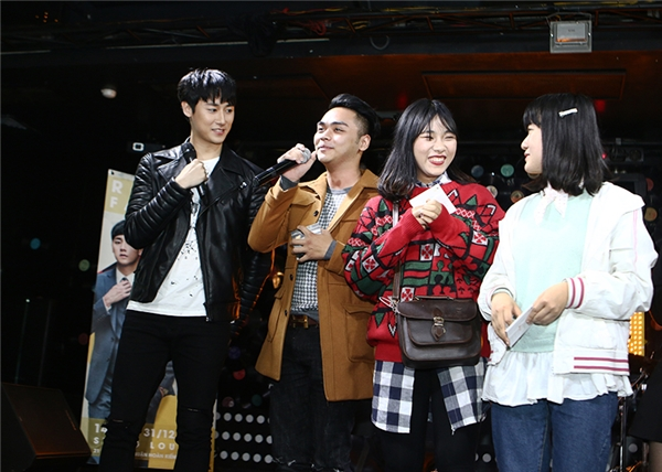 Bất ngờ về sự giống nhau giữa Rocker Nguyễn và Jackson Wang (GOT7)