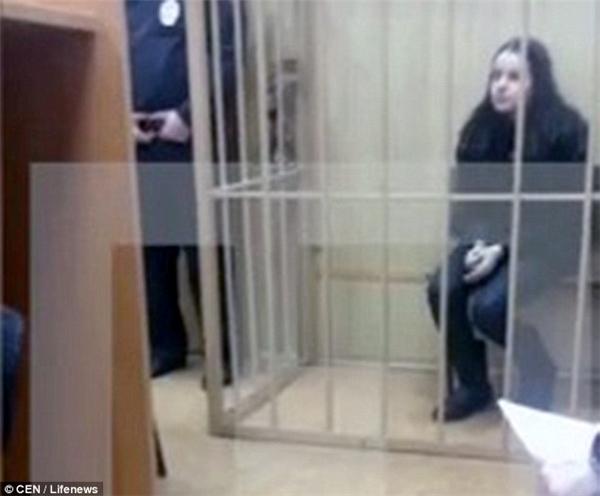"""Chính vì chăm """"khoe khoang"""", """"sống ảo"""" đã khiến cho Anastasia phải bắt đầu một cuộc sống mới...trong tù."""
