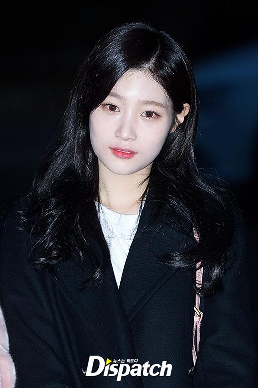 Dù vậy, Jung Chae Yeon vẫn được khen ngợi hết lời nhờ đường nét xinh xắn.