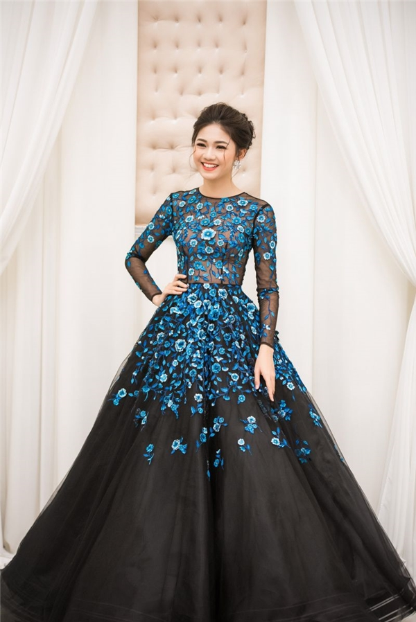 Không còn nghi ngờ, đây là những chiếc váy đắt show đầu năm 2017!