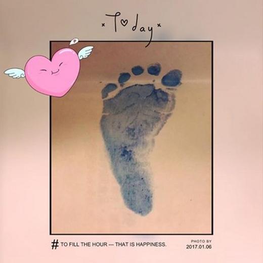 Bức ảnh bàn chân tiểu thiên sứ gây bão cộng đồng mạng tối 6/1 vừa qua