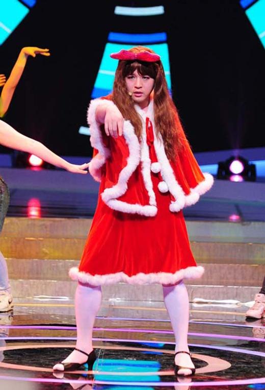 Cô gái có 3 vòng ngoại cỡ Shindong cũng thường xuyên xuất hiện trước công chúng.