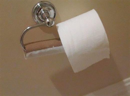 """Làm gì có luật lệ nào là không được """"thay giấy"""" bằng cách này?"""