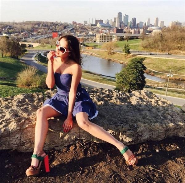 Khoe ảnh ăn chơi xa xỉ trên mạng, hot girl Nga bất ngờ bị cảnh sát bắt