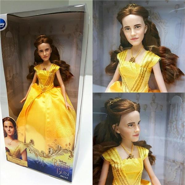 Búp bê Belle được mô phỏng theo tạo hình của Emma Watson trongBeauty and the Beast live-action khiến người hâm mộ vô cùng tức giận.