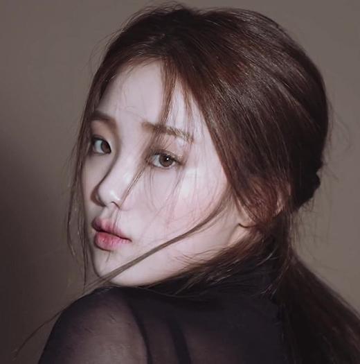 Lee Sung Kyung đang là nữ diễn viên được chú ý tại Hàn Quốc sau bộ phim Tiên nữ cử tạ Bok Joo.