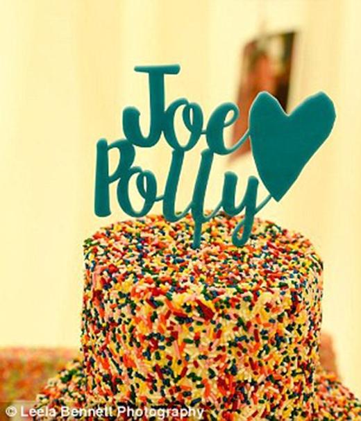 Joe và Polly muốn chia sẻ ảnh cưới của mình đến những người kém may mắn khác.
