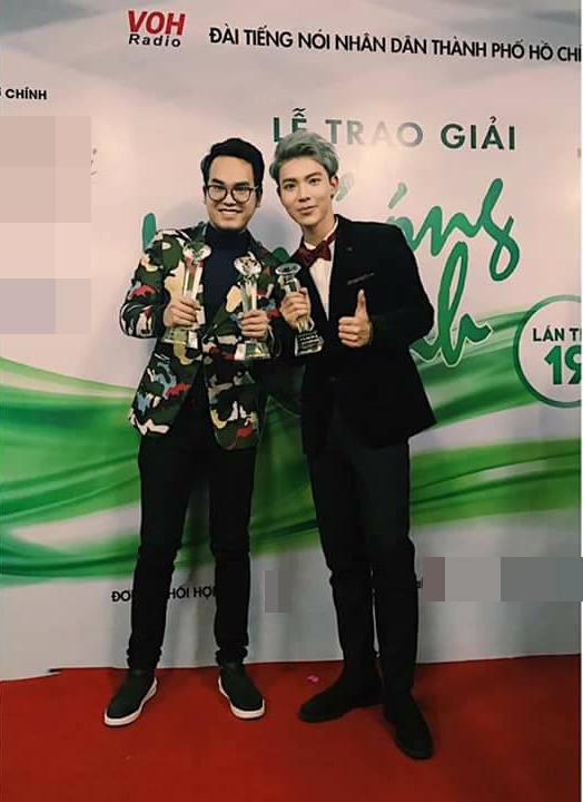 Nhờ Sau tất cả, Khắc Hưng bội thu giải thưởng trong năm 2016 - Tin sao Viet - Tin tuc sao Viet - Scandal sao Viet - Tin tuc cua Sao - Tin cua Sao