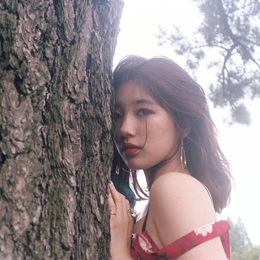 Suzy xinh đẹp và gợi cảm trong hình ảnh cho sản phẩm âm nhạc mới của mình.