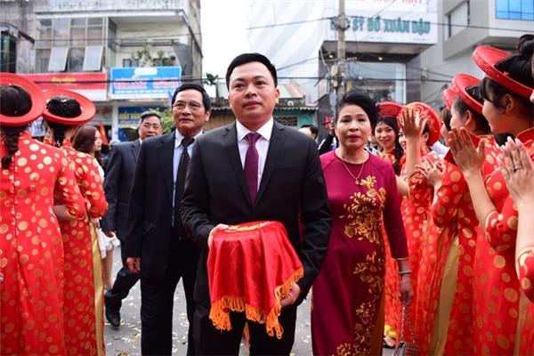 Được biết, chồng của Hoa hậu Thu Ngân là doanh nhân Doãn Văn Phương, đang hoạt động trong lĩnh vực kinh doanh bất động sản.
