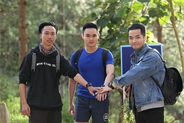 Đội 2: Phạm Hồng Phước, Kỳ Nam, Quý Nguyễn.
