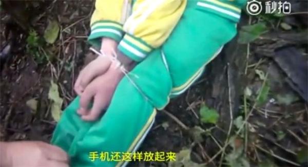 Cậu bé tự trói tay, vờ bị bắt cóc để được quan tâm