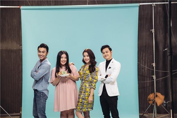 Tỉnh giấc tôi thấy mình trong ailà một điểm nhấn đáng nhớ của Chi Pu trong chuỗi thành công năm 2016. Dự án web series này được Chi Pu đầu tư hơn 2 tỷ đồng thực hiện với sự tham gia của Quang Vinh, Vân Anh, Công Dương… Phim thu hút gần 7 triệu lượt xem, đồng thời thắng giải Web drama được yêu thích nhất châu Á tại WebTV Asia Awards 2016, mở ra một triển vọng mới cho dòng phim onlinetại Việt Nam. - Tin sao Viet - Tin tuc sao Viet - Scandal sao Viet - Tin tuc cua Sao - Tin cua Sao