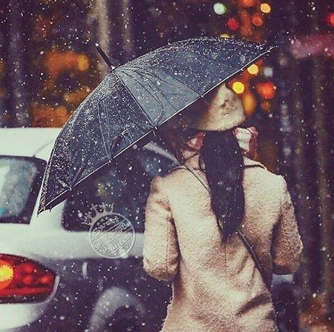 Với người không còn yêu mình, hãy cứ mạnh dạn buông bỏ, cô gái ạ!