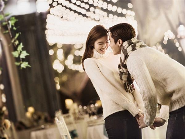 Thật sai lầm khi bạn nghĩ rằng, ở cạnh nhau lâu nghĩa là đã yêu. (Ảnh: Internet)