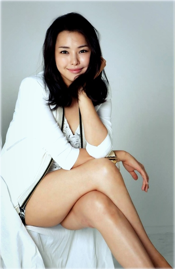 Lee Ha Nui được nhiều người biết đến với tên gọiHoney Lee