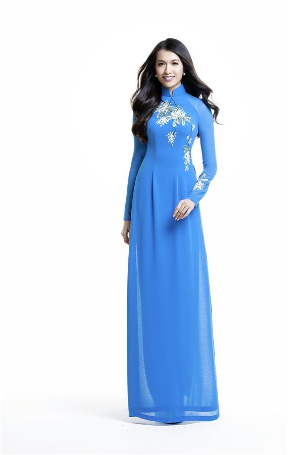 Á hậu Hoa hậu Hoàn vũ Việt Nam 2015 -Lệ Hằng - Tháng 9 với hoa sữa.