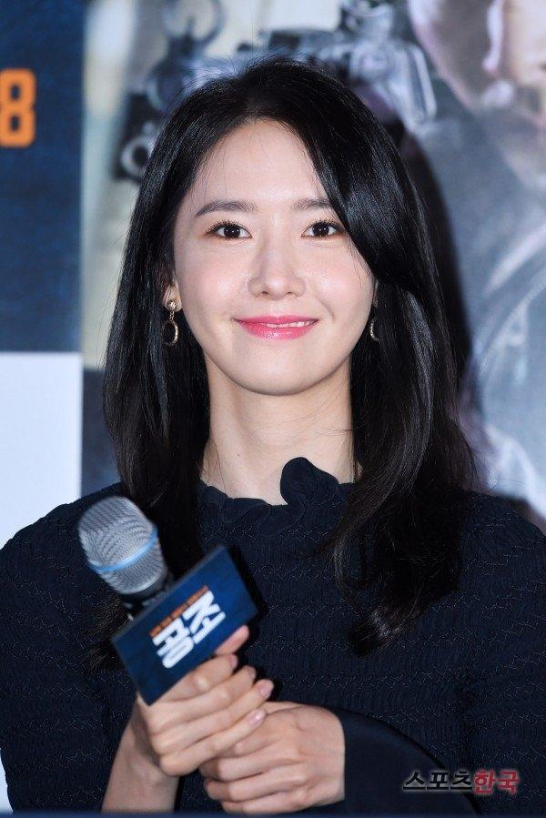 Yoona hoàn hảo không vết xước bên cạnh quý ông lịch lãm Hyunbin