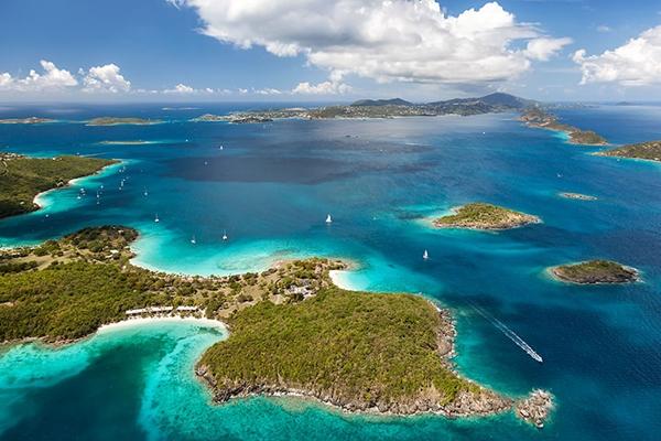Quần đảo Virgin thuộc Mỹ gồm 4 đảo chính là St Croix, St Thomas, St John và đảo Water.