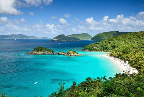 Thỏa sức ăn chơi với hòn đảo tặng tiền cho du khách khi ghé thăm