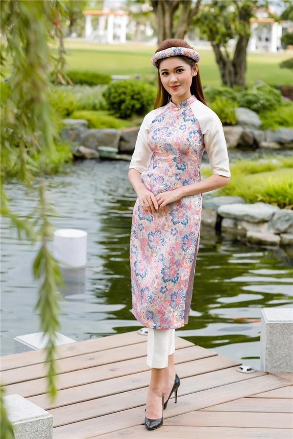 Phần hồn của chiếc áo dài chính là sự đơn giản mà tinh tế, kín đáo mà gợi cảm.