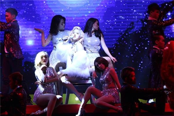 Vpop 20 Awards 2016 – Đêm hội tụ những màn biểu diễn đẳng cấp - Tin sao Viet - Tin tuc sao Viet - Scandal sao Viet - Tin tuc cua Sao - Tin cua Sao