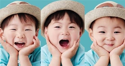 Daehan - Minguk - Manse, ba cậu bé đang làm nghiêng ngảtrái timcác chị em.