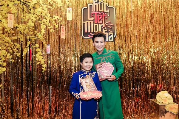 Chí Thiện và bé Gia Bảo sẽ xuất hiện trong sản phẩm này khi kết hợp cùng Hoa hậu Việt Nam 2014-Kỳ Duyên