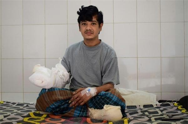 Anh Bajandar chia sẻ bản thân rất vui và hạnh phúc khi nhận được sự giúp đỡ của các bác sĩ.