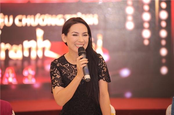 Chương trình có sự tham gia của nhiều nghệ sĩ nổi tiếng như NSƯT Hoài Linh, NSƯT Hữu Quốc, nghệ sĩThanh Hằng, ca sĩPhi Nhung... - Tin sao Viet - Tin tuc sao Viet - Scandal sao Viet - Tin tuc cua Sao - Tin cua Sao