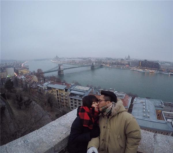 Những hình ảnh tình cảm của cặp đôi tại nước Ý. (Ảnh: FBNV)