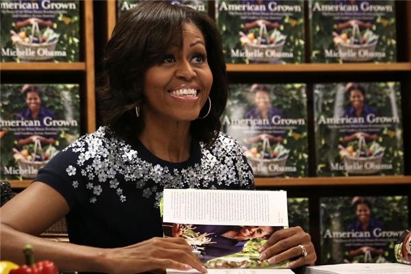 Người ta tin rằng bà sẽ theo đuổi công việc viết lách.